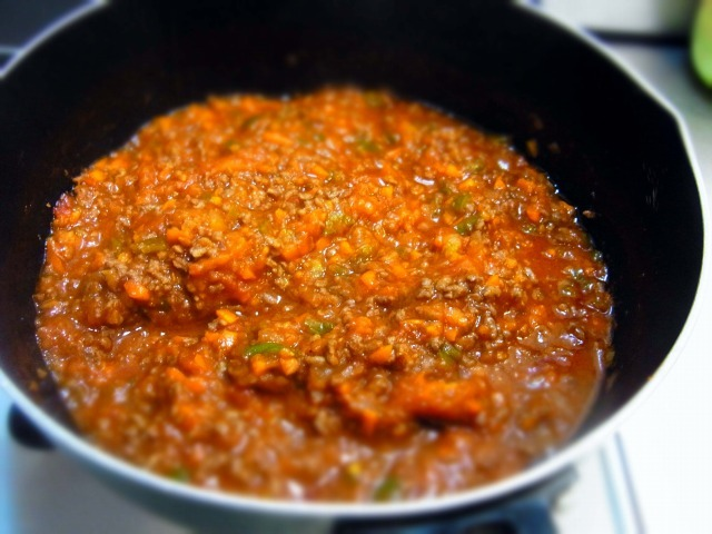 making-meat-sauce9