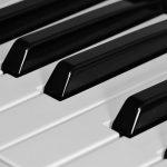ピアノ演奏のまねごと