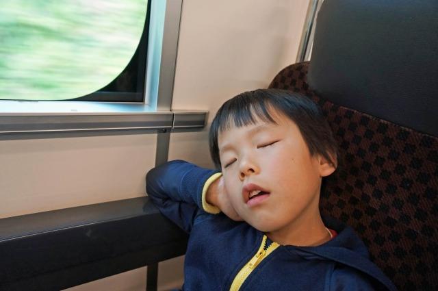 sleeping-on-train